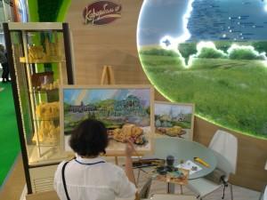 Художник рисует белебеевские сыры